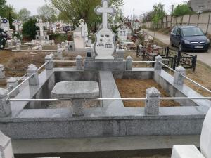 Cruci si Monumente Funerare, Morminte si Pietre Funerare din Marmura si Granit Galati  (3)